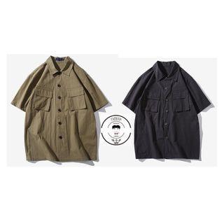 『誰合普UHF®』合作品 日系復古 雙口袋短袖 襯衫 男女皆可。2色 (網路特賣價$900)