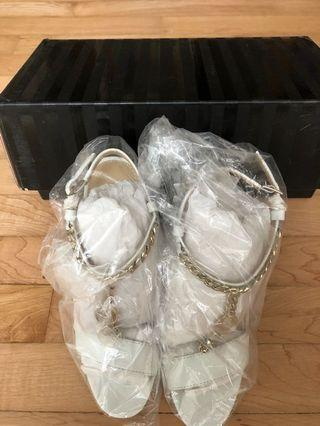 🚚 Victoria's Secret heels