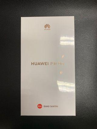 FOR SALE:BRAND NEW HUAWEI P30 PRO (AURORA)