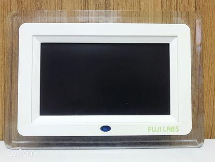 🚚 二手FUJILABS F 3250 S 7吋 晶鑽湛藍 高畫質數位相框特價推薦