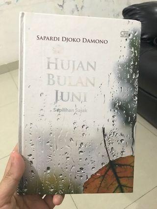 Hujan Bulan Juni Novel Hard Cover