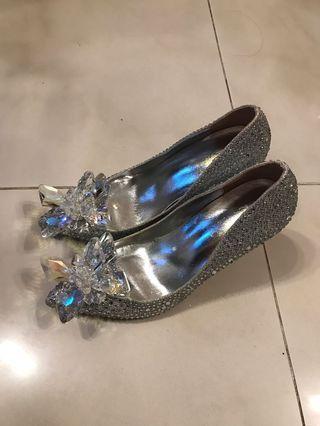 銀色 婚紗 高跟鞋