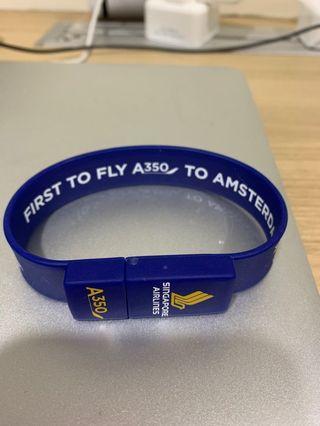 SIA A350 USB wrist band