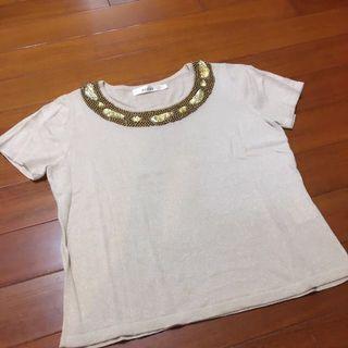 KUDA 專櫃 寶石閃亮領口 彈性針織上衣L.  100