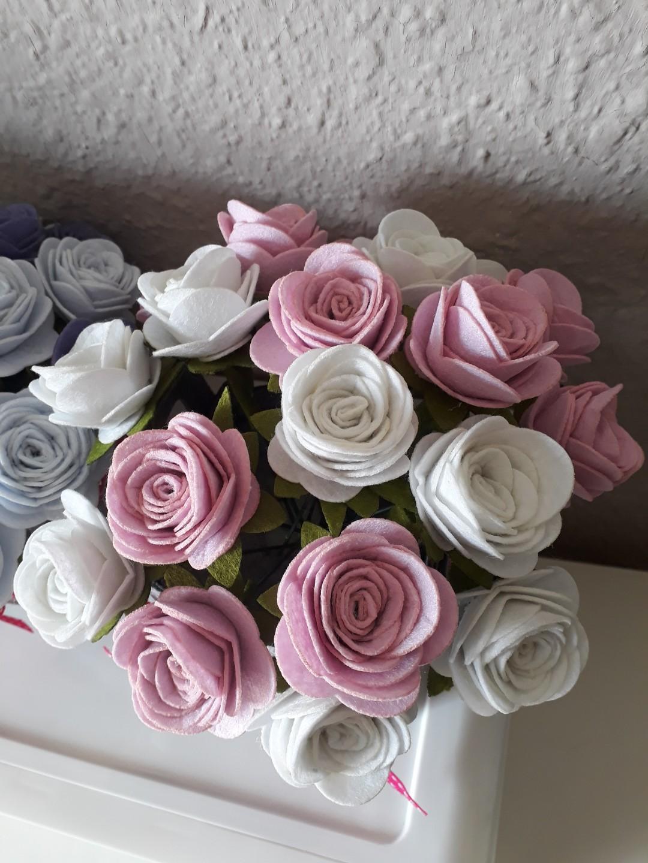 20pcs Felt Blush Pink & White Roses Flowers Desktop Bouquet