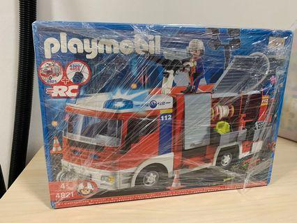 Play Mobil Fire Engine Car