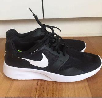 Original Nike Roshe run trainers