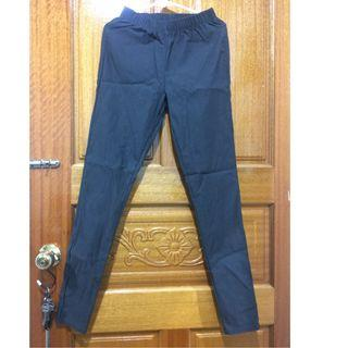 Lativ彈力顯瘦窄管褲-鐵灰色m號