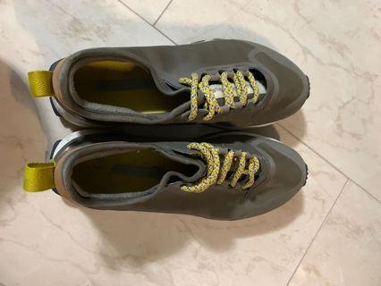 Stella McCartney Adidas sport shoe