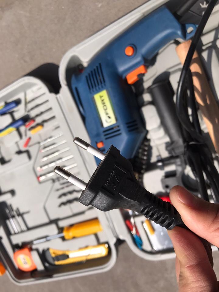 外貿原單的多功能電鑽套件!220V電壓,國內通用!品質非常好,一共幾百套