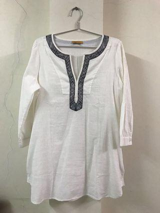 XL Embroidery white top