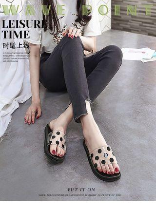 Slippers female summer outside wearing student han new style flat bottom casual student fashion joker word cool trawl net red wave point