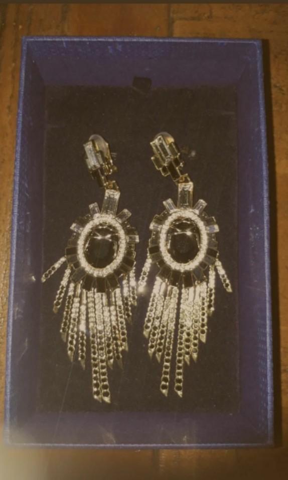 Authentic statement Swarovski clip on chandelier style earrings