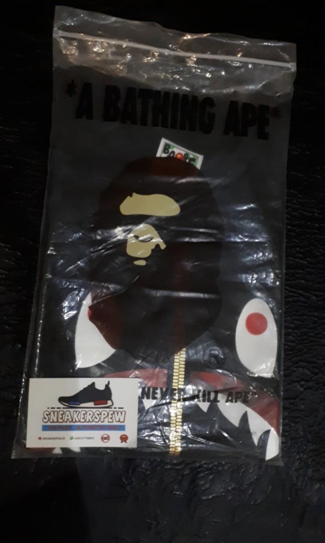 Bape shark camo red tee (gold zip)