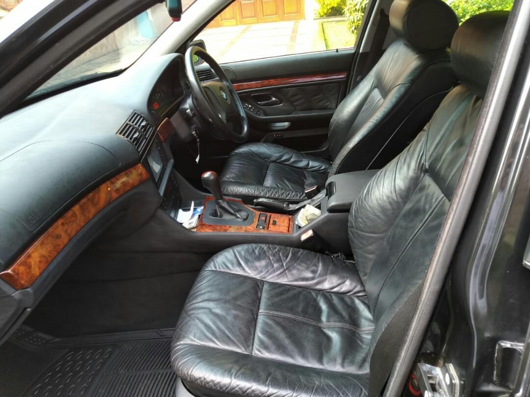 BMW e39 528i th 97  Automatic ,Black on Black bagus rapih nyaman sehat siap pakai harian