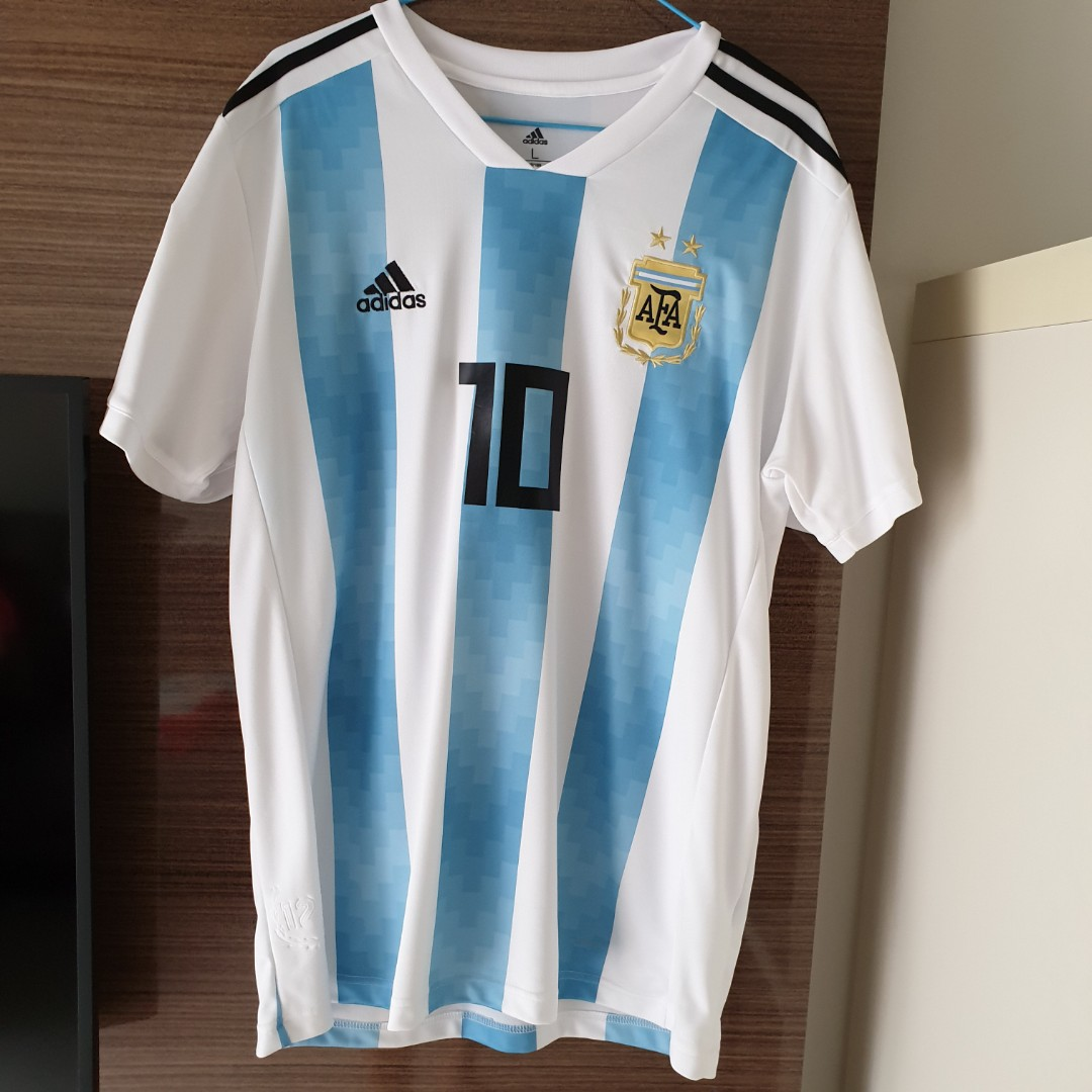 classic fit 50e25 02f21 FIFA 2018 Authentic Argentina Football Jersey (Size M) / Messi 10