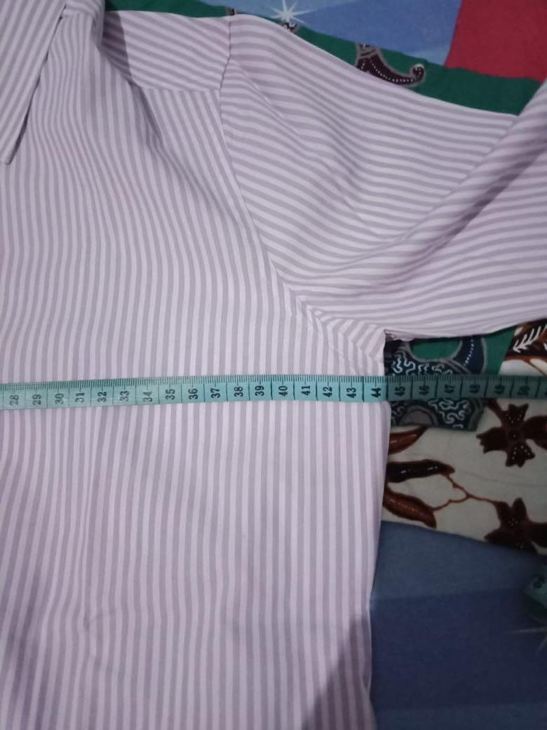 #JAN25 Kemeja strip ungu putih