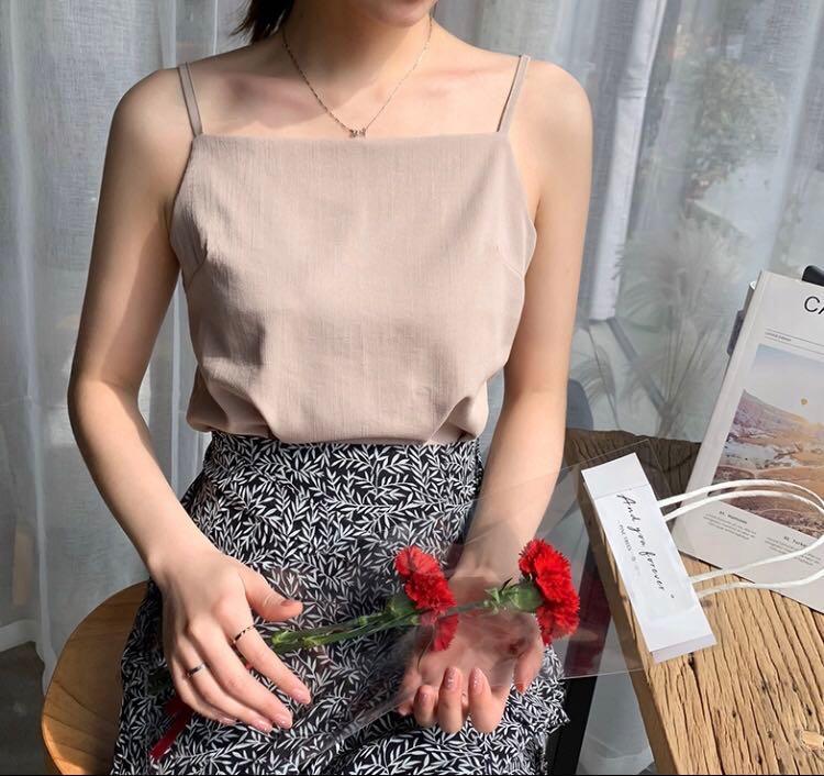 Linen sleeveless top in khaki