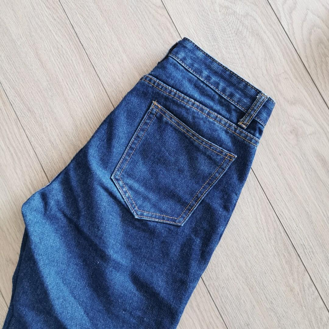 Mantou - Raw Cut Mom Jeans in Dark Blue