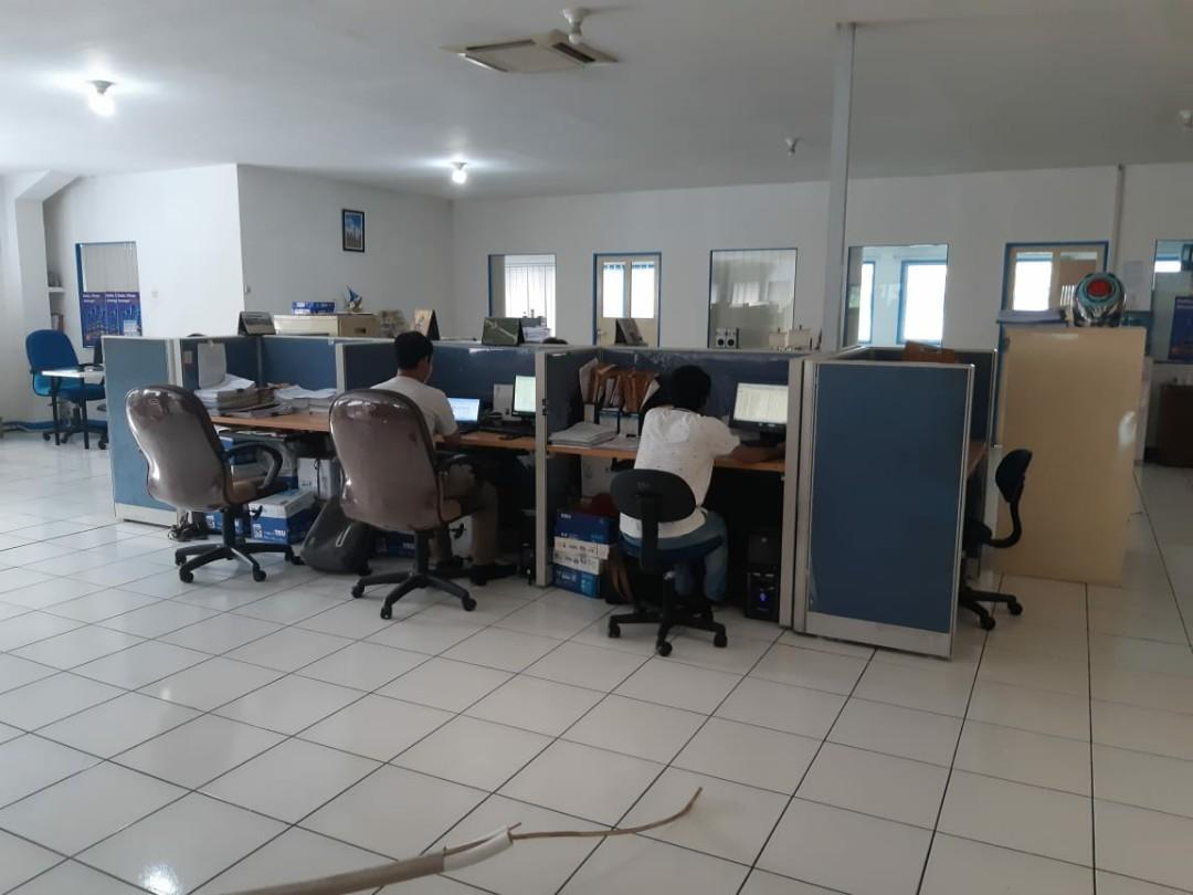 Partisi cubicle meja kantor jual borongan