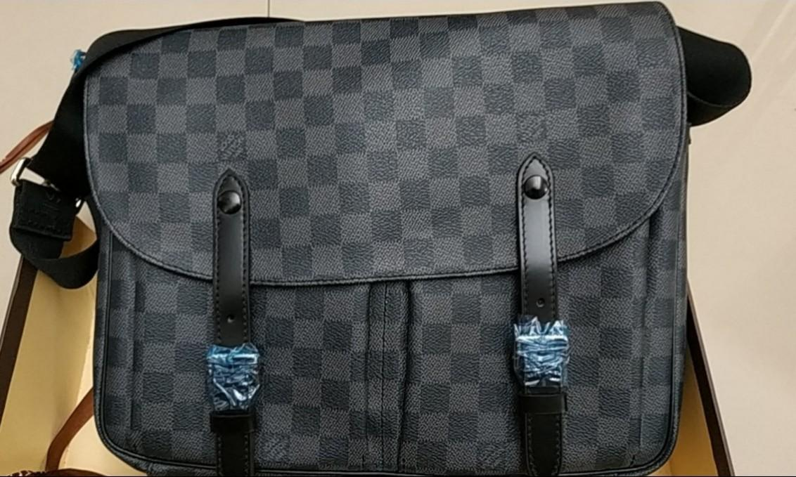 Tas Pria Louis Vuitton Authentic Original