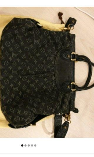 Louis Vuitton Black Monogram top handle / Sling bag