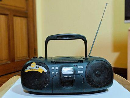 CD / RADIO / CASSETTE / AUDIO JACK / SPEAKER