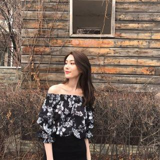 CLEARANCE - BLACK FLORAL OFF SHOULDER TOP