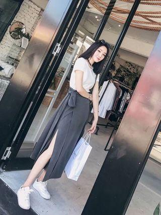 🚚 現貨出清!韓系白T+一片裙兩件套、S號、原價890、新店特惠下殺$520❤️