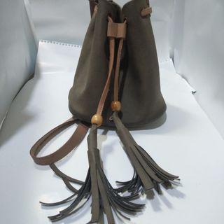 Sling Bag Serut Grey - Creme