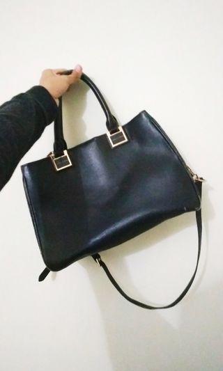 #PRICEREDUCED📢 Structured Formal Handbag