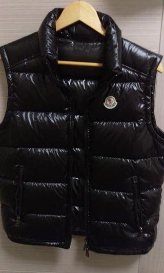 Moncler down jacket 95%new 100%real