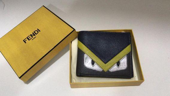 Selling off Fendi's 100% genuine wallet