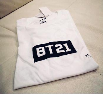 Uniqlo BTS White BT21 shirt