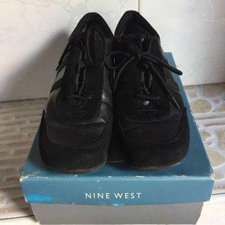 Nine West black shoes