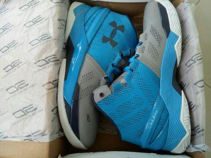 🚚 Curry basketball shoes (size44)