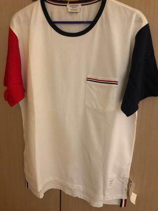 Thom browne 紅藍袖白色T-shirt
