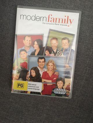 Modern Family Season 1-3.