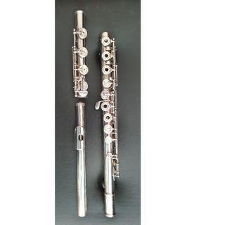 Yamaha professional model 674 silver flute