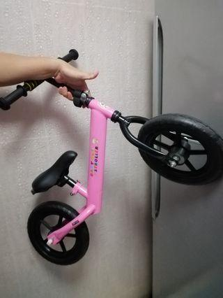 Push bike Pinky for little ones