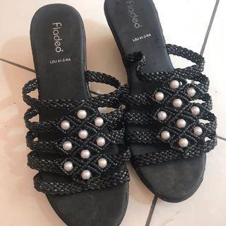 Sepatu wedges fladeo mutiara