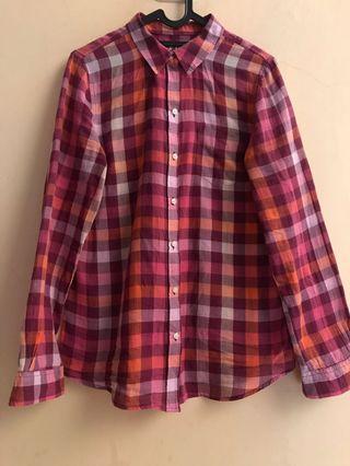 Old navy plaid shirt M