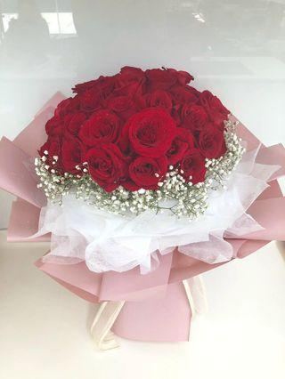 #193 | 50 Roses Bouquet | Birthday | Anniversary | Message Card Included | Delivery Provided (Price Not Inclusive)