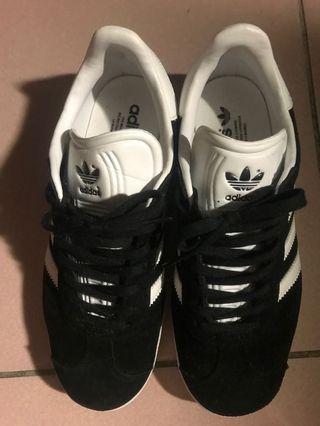 Adidas 23.5cm 9成新
