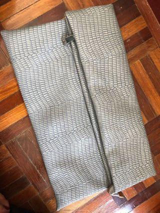 Preloved- CLUTCH BAG