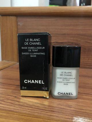 Le Blanc De Chanel Sheer Illuminating Base