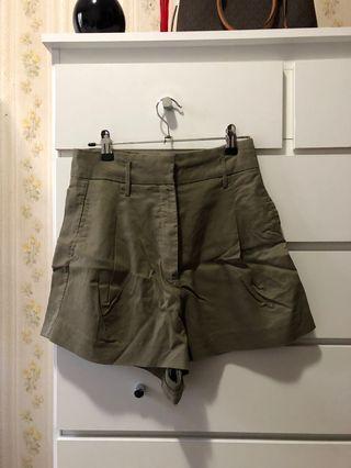 Sheike khaki shorts