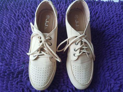 Sepatu JJ Wedges