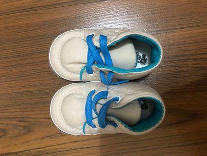 Sepatu pre walker 0-6 bulan