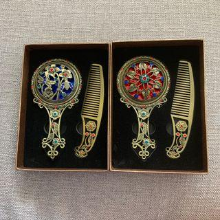 *BNIB* Exquisite Peranakan Mirror and Comb Set